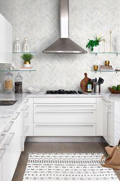 Modern look elegant marble mosaic tile for remodeling projects. Contemporary Kitchen Backsplash, White Kitchen Backsplash, Kitchen Tiles, Modern Kitchen Design, Backsplash Tile, Marble Kitchen Countertops, White Contemporary Kitchen, Kitchen Interior, Kitchen Decor