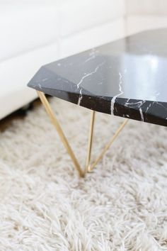 Liquid marble coffee table. Nero marquina.