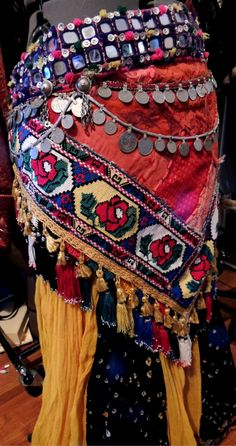 Tribal Belly Dance Belt Love the colors and layers. Think of how it would look/sound during a shimmy!