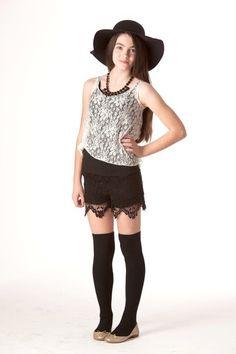 Scallop Hem Crochet Short