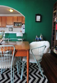 The Best Paint Colors: 10 Valspar Bold Brights | Apartment Therapy