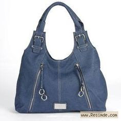Mavi, fermuarlı bir çanta