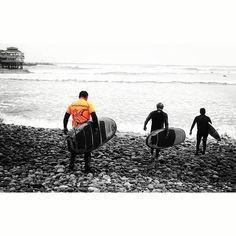 La de hoy en Instagram: No puedes detener las olas pero puedes aprender a surfear. #surf #surflessons #learntosurf #beachlife #surfisfun #surfwithfriends #Lima #Peru #Miraflores #Makaha #QueVivaLima - http://ift.tt/1K8gmug