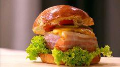 Receptů na dobrý burger není nikdy dost! Salmon Burgers, Hamburger, Chicken, Ethnic Recipes, Food, Essen, Burgers, Meals, Yemek