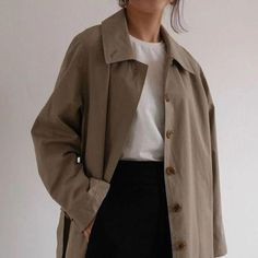 look here — Amomento Aesthetic Fashion, Look Fashion, Aesthetic Clothes, Korean Fashion, Winter Fashion, Aesthetic Outfit, 70s Fashion, Looks Street Style, Looks Style