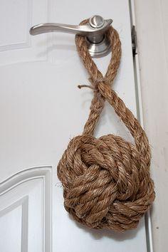 DIY How to Tie a Monkey's Fist Decorative Knot | iCreativeIdeas.com Like Us on Facebook ==> https://www.facebook.com/icreativeideas