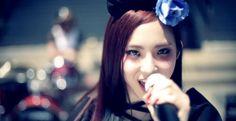 「Welcome home,master & princess」 BAND-MAID is girls band from japan. Facebook上で公開されたMV「スリル」が二週間で200万回再生され、 いま注目のガールズバンド「BAND-MAID®」第二弾MVを公開。 BAND-MAID® infor...