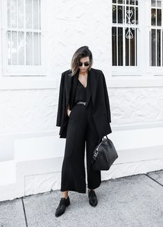 all black street style office work wear inspo suit Givenchy Antigona medium fashion blogger modern legacy, minimal chic || @sommerswim