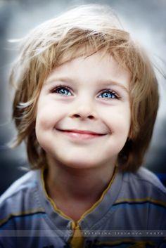 Precious Little Boys Precious Children, Beautiful Children, Beautiful Babies, Smiling People, Happy People, Smiling Eyes, Cute Kids, Cute Babies, Kid Character