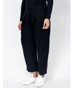 New clean and relaxed Trouser Style with cropped length and wide leg. Crafted from soft tencel which makes the trouser soft, strong and has a greater resistance Fall 2016, Trouser, Pants, Black, Winter, Fashion, Trouser Pants, Winter Time, Moda