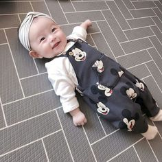 Cute Baby Smile, Cute Baby Boy Photos, Cute Baby Videos, Cute Little Baby, Little Babies, Cute Asian Babies, Korean Babies, Asian Kids, Cute Babies