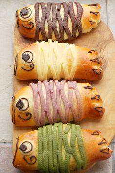 ずーーん(☼ Д ☼) こいのぼりパン(ノ゚∀゚)ノ この形にするのに随分考えた(笑) しかも4色こいのぼり♡ ヴァローナ カカオパウ...