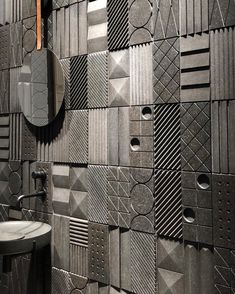 Loving this architectural carved marble tile wall - Home Decor Interior Paint Colors, Interior Painting, Interior Design, Gray Interior, Interior Ideas, Wall Tiles Design, Paint Tiles, Tiles Texture, Marble Texture
