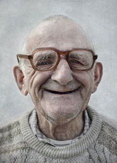 Composition: Content: This image is content because of the look on the face of this man and how he looks content with life. This image has portrait, upclose, and triangular balance Just Smile, Smile Face, Happy Smile, Men Smile, Stay Happy, Tanz Poster, Beautiful Smile, Beautiful People, Old Faces