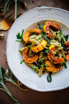 Whole Wheat Pasta with Walnut Sage Pesto and Roasted Delicata Squash. An EASY, healthy, and delicious vegetarian fall and winter pasta recipe! Delicata Squash Recipe, Roasted Squash, Butternut Squash, Pasta With Walnuts, Feta, Vegetarian Pasta Recipes, Meat Recipes, Healthy Recipes, Vegetarian