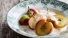 Yoghurt med smørstekte vinterepler og kanel Yoghurt, Apple, Snacks, Fruit, Food, Tapas Food, Appetizers, Meal, The Fruit