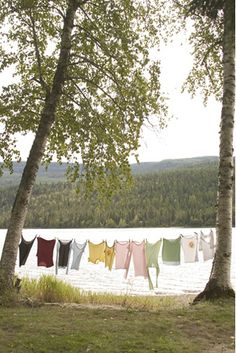 Under A Paper Moon: Summer Escape {Lakes} Laundry Lines, Laundry Art, Laundry Drying, Doing Laundry, Laundry Basket, Laundry Room, Vintage Laundry, Summer Breeze, Lake Life