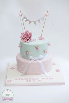 New Ideas For Shabby Chic Baby Shower Cake Vintage Tea Parties Baby Girl Christening Cake, Baby Girl Birthday Cake, Baby Girl Cakes, Shabby Chic 1st Birthday Cake, Cumpleaños Shabby Chic, Shabby Chic Cakes, Shabby Chic Baby Shower, Beautiful Birthday Cakes, Pretty Cakes
