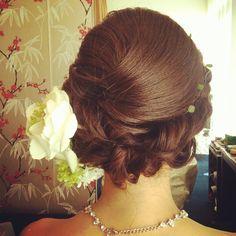 #ヘアアレンジ#ヘアセット#ヘア#ヘアメイク#結婚式#wedding#updo#花嫁#編み込み#hair#ブライダル#新婦#ヘアスタイル#プレ花嫁 #bridal#ウェディングドレス #生花