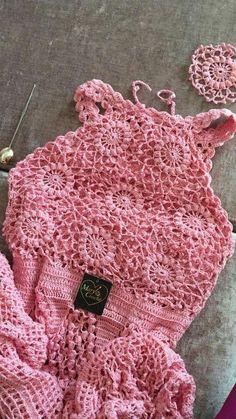Crochet and Knitting Free Pattern Mode Crochet, Crochet Girls, Crochet Woman, Crochet Baby, Knit Crochet, Crochet Shorts, Crochet Poncho, Crochet Clothes, Crochet Bikini