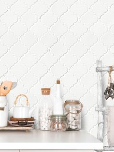 Trend, ( Arabesque Tile ) for kitchen backsplash & bathroom design projects. White, gray, ceramic, marble or glass Arabesque backsplash tiles. Kitchen Buffet, Kitchen Chairs, Kitchen Shelves, Kitchen Furniture, Kitchen Cabinetry, Kitchen Island, Mosaic Backsplash, Kitchen Backsplash, Mosaic Tiles