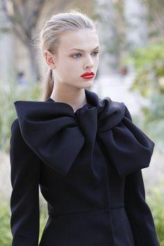 Giambattista Valli Fall 2017 Couture Fashion Show Details