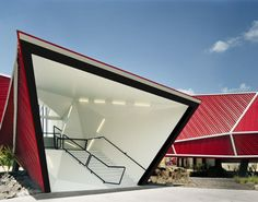 10 Must-See Red-Colored Architecture - Nestle Chocolate Museum Mexico 1