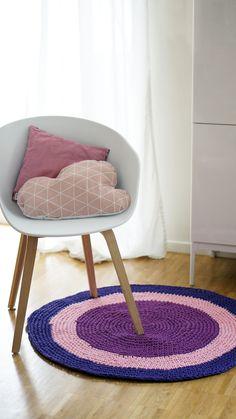 runder Häkelteppich, lila/rosa // round crocheted carpet, purple/pink by mareimarei via DaWanda.com
