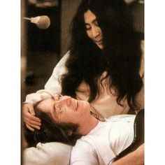 yoko ono and john lennon - true love John Lennon Yoko Ono, John Lennon Beatles, El Rock And Roll, Beatles Love, Beatles Bible, Give Peace A Chance, Joko, The Fab Four, Ringo Starr