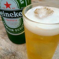 - 107件のもぐもぐ - Heineken lager beer by Kajinuch