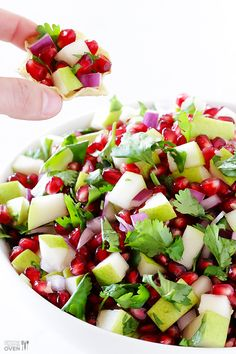 5-Ingredient Pear Pomegranate Salsa Recipe ~ This salsa is a total crowd-pleaser, and only calls for 5 fresh and simple ingredients... Perfect for dipping, perfect for salad-ing, and definitely perfect for sharing