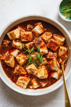 High Protein Vegetarian Recipes, Healthy Recipes, Vegetarian Meals, Healthy Dinners, Ma Po Tofu Recipe, Tofu Dishes, Asian Recipes, Vegan Recipes, Chinese Recipes