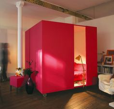 50 New Small Studio Apartment Design Trends 2021 - Modern, Tiny & Clever - New Decor Trends Small Studio Apartment Design, Studio Apartment Decorating, Studio Apartments, Small Apartments, Studio Apt, Studio Living, Apartments Decorating, Studio Design, Cama Box