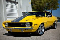 Muscle Cars… Custom Chevrolet Camaro Z/28