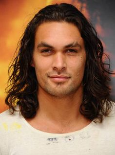 Jason Momoa looks like he would smell really, really good. If only this pin was scratch and sniff. Jason Momoa Aquaman, Aquaman Actor, Lisa Bonet, Gorgeous Men, Beautiful People, Venus In Leo, My Sun And Stars, Raining Men, Fine Men