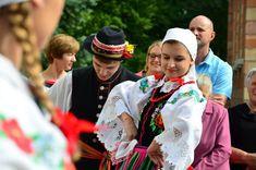 Regional costumes from Łowicz, Poland. - Polish Folk Costumes / Polskie stroje ludowe