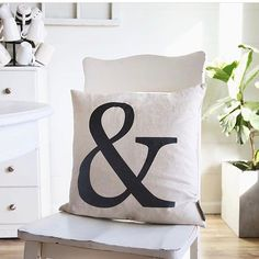 The perfect pillow for every season and every room!! 📷: @elizabethjoandesigns  http://freshome.com/white-home-exteriors/