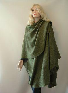 Capes & Ponchos - Cape Poncho Wolle Seide Pfauengrün - ein Designerstück von hofatelier-mode bei DaWanda