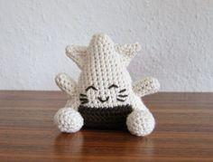 The Onigiri Cat - Free Amigurumi Pattern (Scroll Down) here: http://stephiskoestlichkeiten.blogspot.de/2015/01/the-onigiris.html