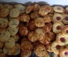 Recipe 100 Biscuits - known in our family as 'Aunty Jenny's Biscuits' by iThermo, learn to make this recipe easily in your kitchen machine and discover other Thermomix recipes in Baking - sweet. Lunch Box Recipes, Wrap Recipes, Sweet Recipes, Dessert Recipes, Lunch Ideas, Easy Recipes, Easy Cooking, Cooking Recipes, Crack Crackers