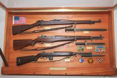 Nice! A Springfield, Garand and M1 carbine. Now if they added a 1911 to the mix...ooooohhhhhh. aaaaahhhhhhh.