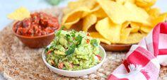 Guacamole | In 10 minuten klaar! - Lekker en Simpel Guacamole, Mexican Food Recipes, Ethnic Recipes, Appetisers, Tortilla Chips, Food To Make, Foodies, Food And Drink, Healthy