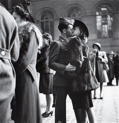 A goodbye kiss in Penn Station by Alfred Eisenstaedt, circa 1944.