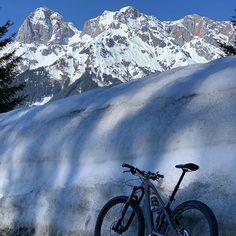 Unsere Gäste gehen Skifahren Ronny ist bereits mit dem Bike unterwegs. Egal wie genießt die schönen Stunden!! #schifoan #hochkoenig #mtbguide #radlfoanimschnee #sonnetanken #alpenparksmariaalm Mount Everest, Mountains, Instagram, Nature, Travel, Ski, Naturaleza, Viajes, Destinations