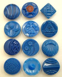 1930/'s 24 Electric Blue 2-hole Art Deco Carved Casein Buttons Vintage Buttons