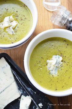 Smooth broccoli & Gorgonzola soup using Morphy Richards Soup Maker. Perfect for your lunch box if you have a suitable container! Scrumptious dinner made in just 25 minutes. | Happiness is homemade