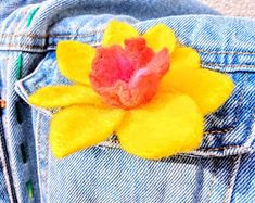 No sewing, no glue, forgotten profession autor galerytouchofrainbow Hand Flowers, Daffodils, Girl Gifts, Spring Flowers, Hair Clips, Felt, Sewing, Handmade, Free Delivery
