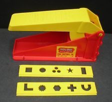 When this Play Doh Fun Factory was the latest and only play doh accessory. 90s Childhood, My Childhood Memories, Great Memories, Play Doh Toys, Play Doh Fun, Play Dough, 80s Kids, 90s Kids Toys, Boy Toys