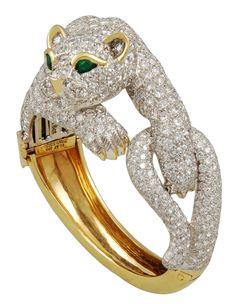 DAVID WEBB Diamond & Emerald Panther Bangle, ca. 1980s