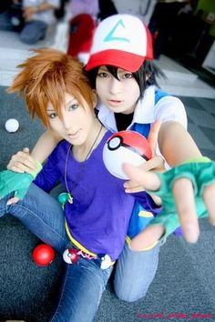 pokemon Gary Oak and Ash Ketchum. I don't like Gary, but this Cosplay is awesome. Pokemon Costumes, Pokemon Cosplay, Anime Costumes, Cosplay Costumes, Epic Cosplay, Amazing Cosplay, Cosplay Outfits, Anime Cosplay, Cosplay Ideas